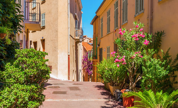 Gasse in Cannes